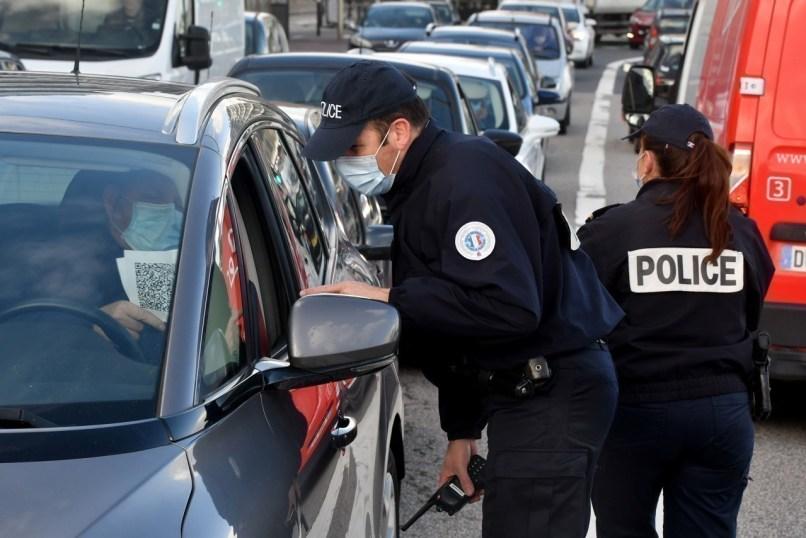 D'importants contrôles des attestations de déplacement ont eu lieu ce jour à Cherbourg.