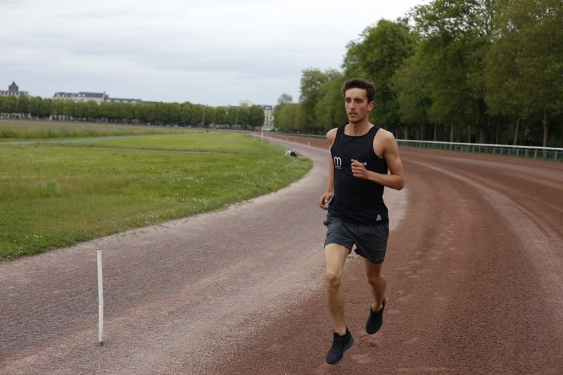 Maxence Hardoin is a high level athlete, several finalists in the French championships over 3000 meters steeplechase, and a sports coach.