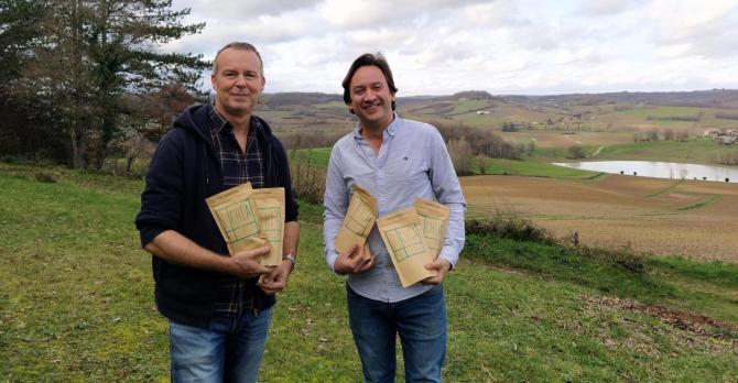 Stéphane Renaud et Augustin Downes innovent en proposant des abonnements pour recevoir ses graines de chia bio.
