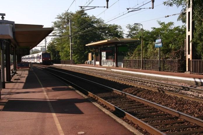 Une personne est décédée ce vendred 7 mai 2021 après avoir été heurtée par un train en gare de Yerres (Essonne)