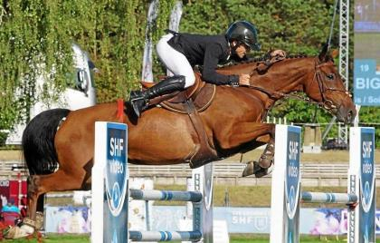 Horse using: Fontainebleau smiles at Fougères rider Mathieu Bourdon