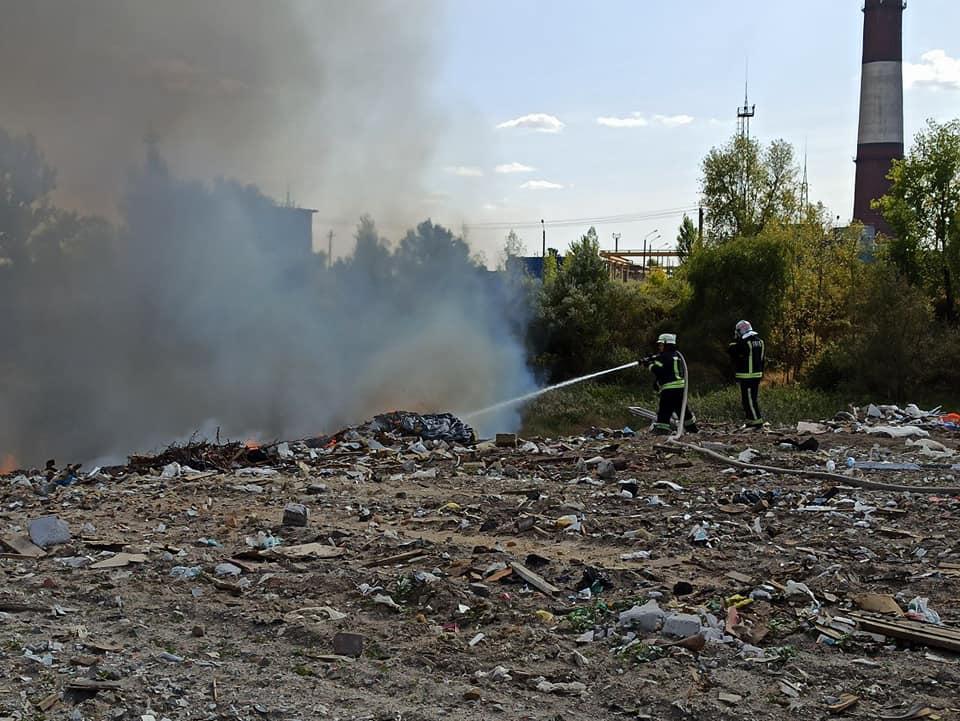 В Киеве произошел мощный пожар на свалке: фото, АБЗАЦ