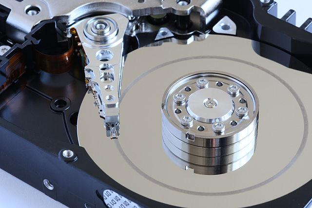 Mất 51 năm để thế giới công nghệ có được 1 Terrabyte lưu trữ đầu tiên