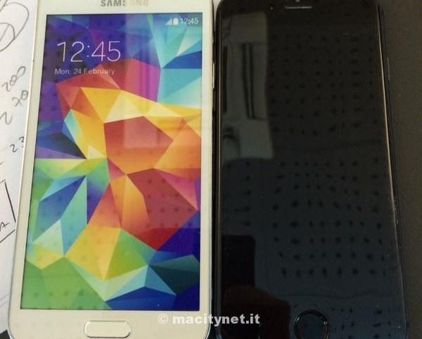 iphonemockupvsgalaxys5