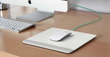 resurge_apple_magic_mouse_mousepad_with_battery_pack_1
