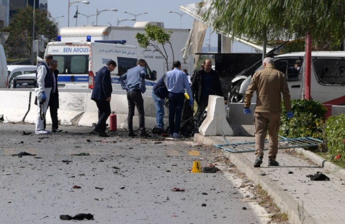 Suicide bombing near the American embassy in Tunis