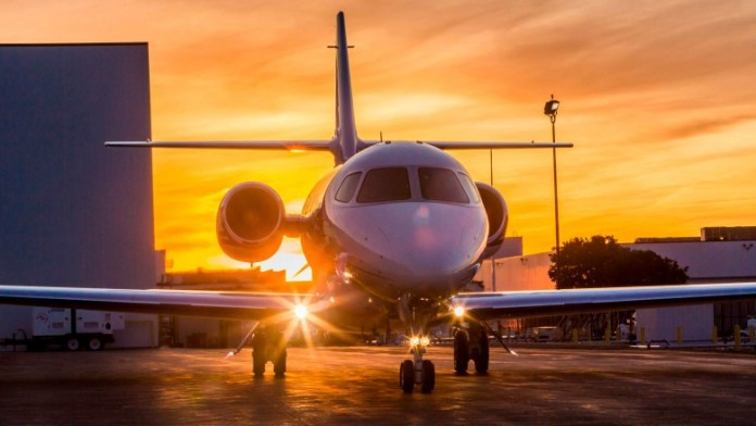 Private jets are becoming more available than ever in the shadow of Corona ... Here's how you can rent one