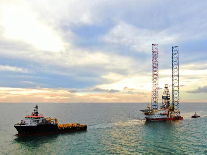 PTTEP has discovered oil and gas at the Sirung-1 exploration well off the coast of Sarawak in Malaysia.