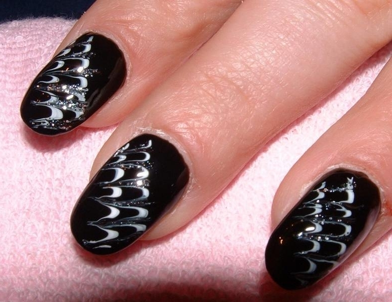 You Can Easily Upgrade The Look Of A Simple Nail Art Design With Help Diffe Color Polish Lines Glitter Rhinestones As Well