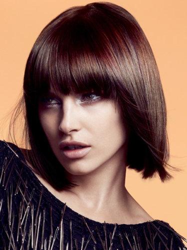 Glam Heavy Layered Medium Hairstyles