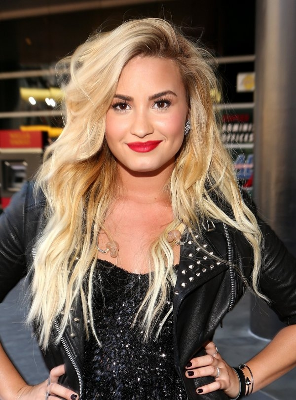 Celebrity Hairstyles From The 2012 MTV VMAs