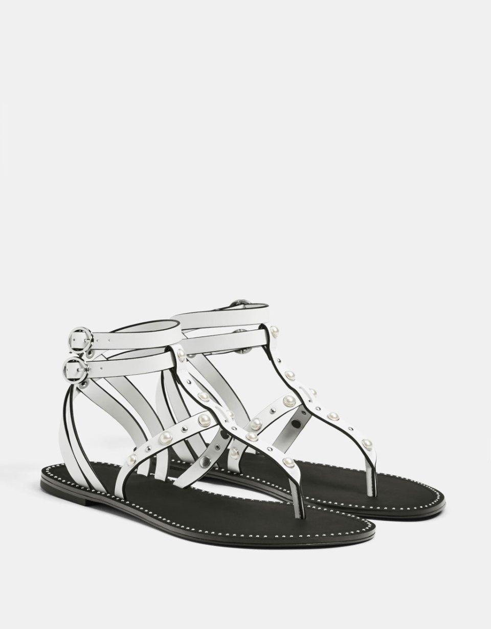 Sandales plates perles et rivets
