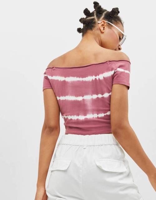 Camiseta tie dye con fruncido