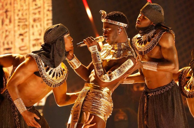 Lil Nas X Makes Out With Dancer at 2021 BET Awards | Billboard