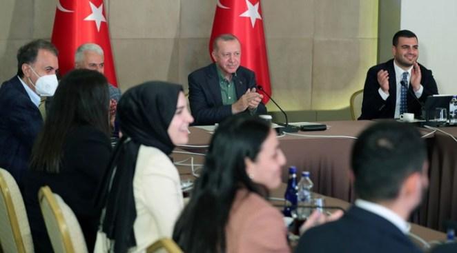 Erdoğan'dan 'sağlığınız nasıl' sorusuna cevap: Yıkılmadık, ayaktayız