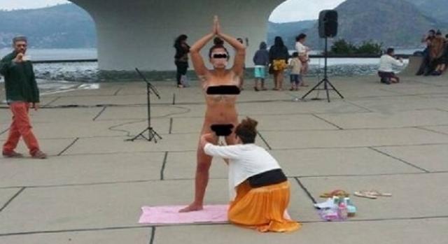 Foto de mulher pelada sendo depilada no Rio de Janeiro gerou polêmica nas redes sociais