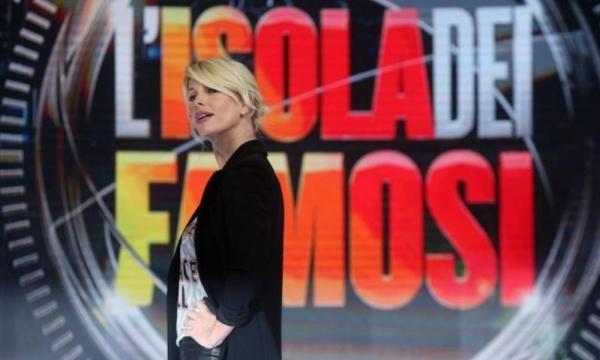 Risultati immagini per L'ISOLA DEI FAMOSI CONFERENZA 2017