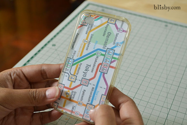 Place the template in your clear case ใส่แผนที่ลงไปในเคสใส