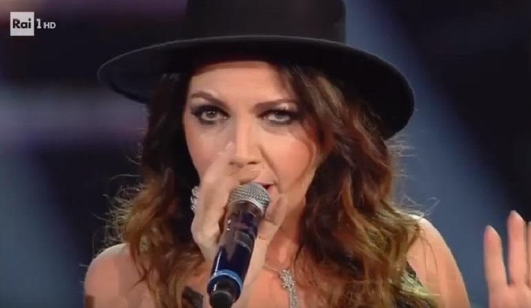 Youtube Sanremo 2019 Cristina Davena Canta Con Carta E Shade