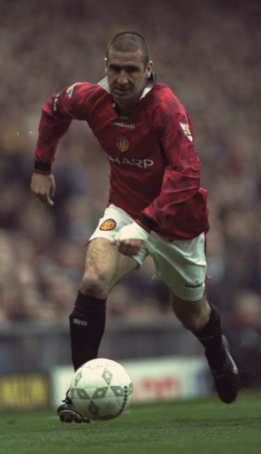 Eric cantona scoring his iconic goal for manchester united against. Eric Cantona Les Meilleurs Joueurs De L Histoire Du Football
