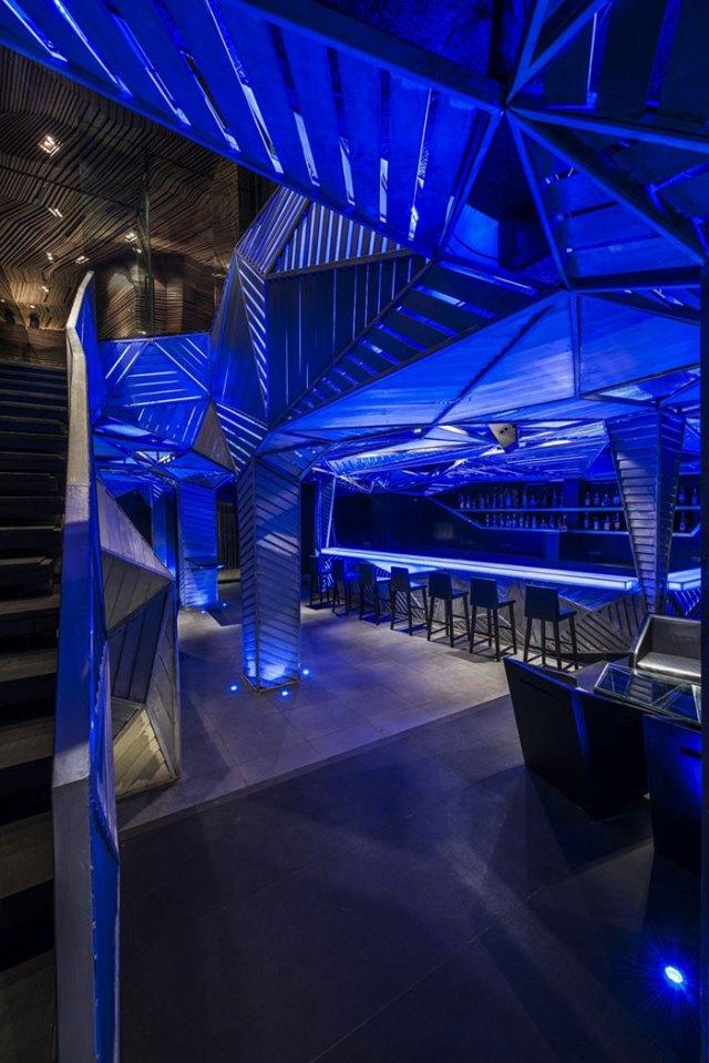 amazing-restaurant-bar-interior-design-42