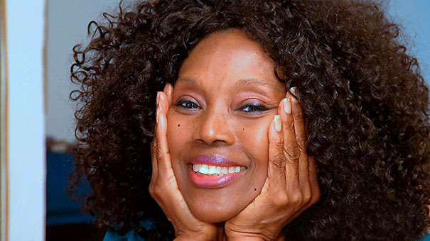 70-Year-Old Annette Larkins Looks Like She Just Turned 40 Thanks To Raw Vegan Diet