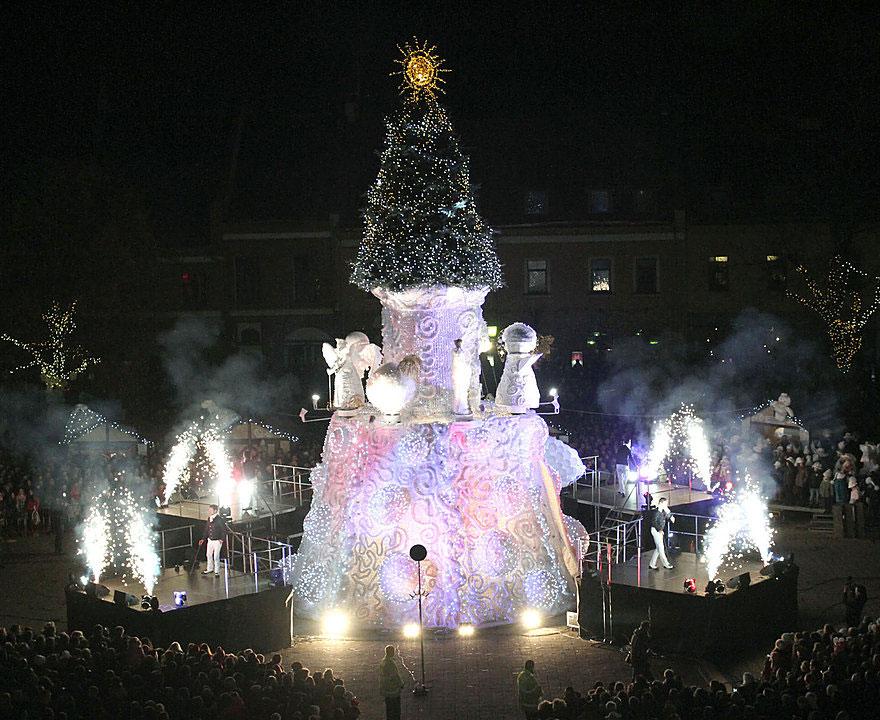 Κάουνας-christmas-tree-cloud-3