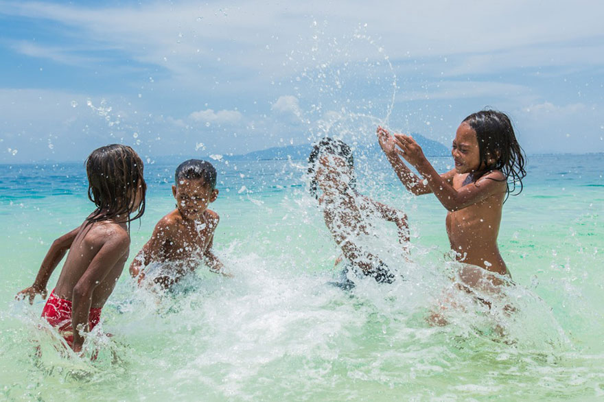 sea-tribe-gipsies-the-bajaus-rehan-borneo-14