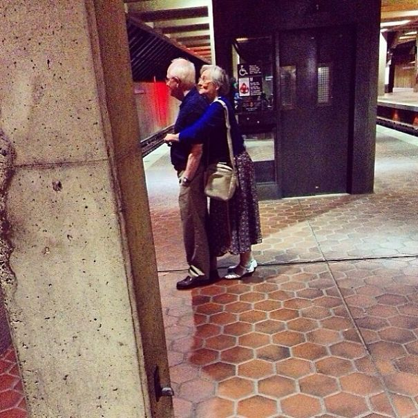 https://i1.wp.com/static.boredpanda.com/blog/wp-content/uploads/2015/05/XX-Photos-Proving-That-Couples-Can-Have-Fun-At-Any-Age__605.jpg