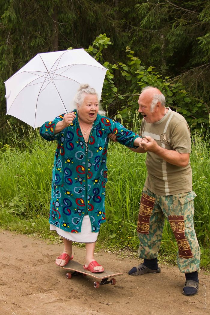 https://i1.wp.com/static.boredpanda.com/blog/wp-content/uploads/2015/05/old-couples-having-fun-19__700.jpg
