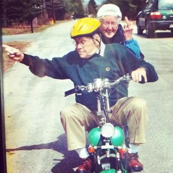 https://i1.wp.com/static.boredpanda.com/blog/wp-content/uploads/2015/05/old-couples-having-fun-6__605.jpg