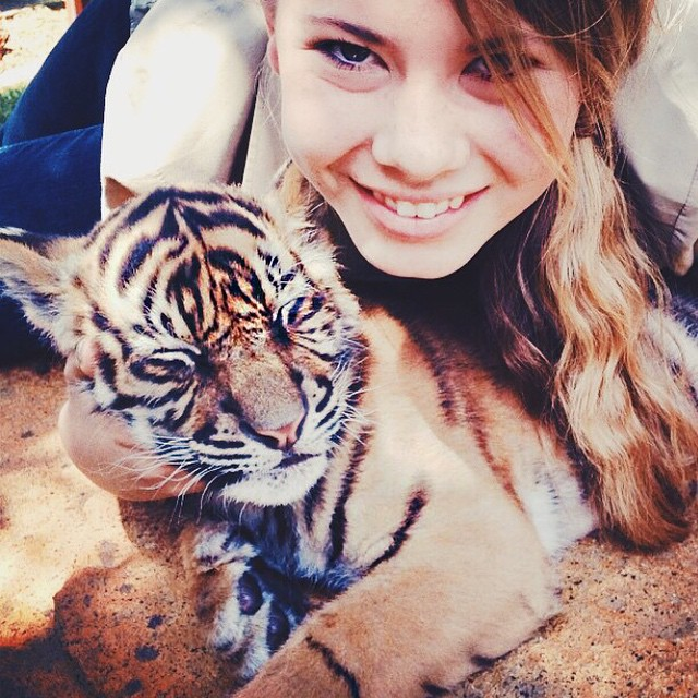 16-year-old-bindi-irwin-crocodile-hunter-fathers-legacy-australia-zoo-16