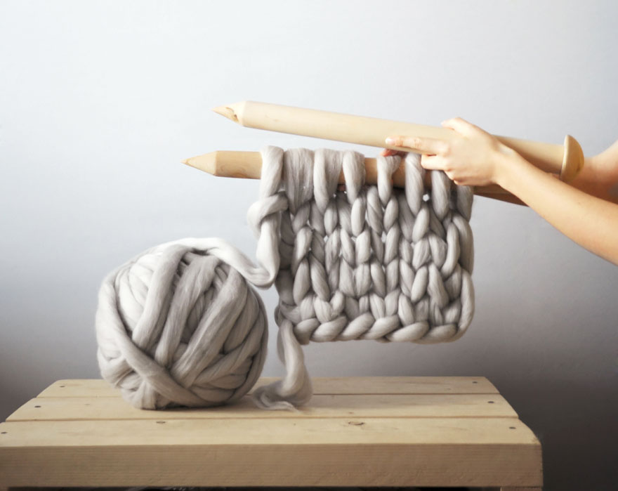 giant-super-chunky-wool-knitwear-blankets-anna-mo-2