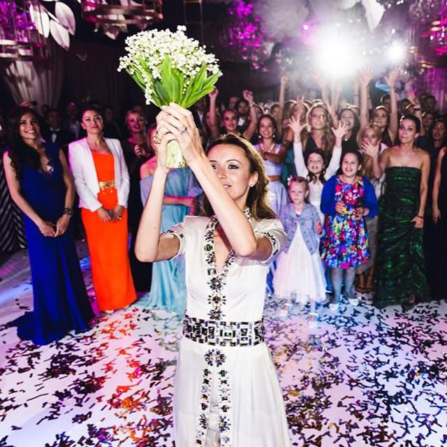 wedding-photos-follow-me-to-couple-murad-osmann-natalia-zakharova-16