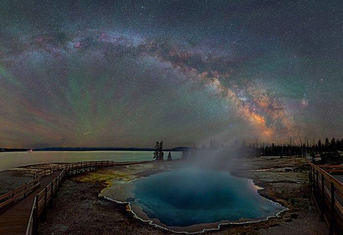 Fotos noturnas registram o céu de uma forma que você nunca viu.