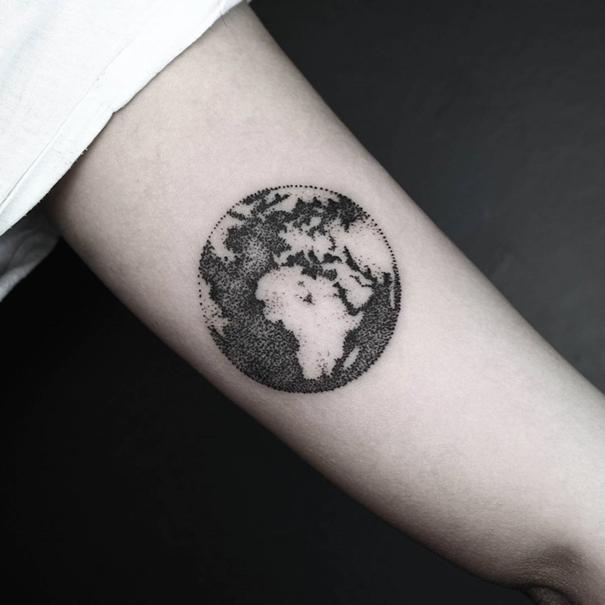 minimalist-geometric-tattoos-line-dot-okan-uckun-7