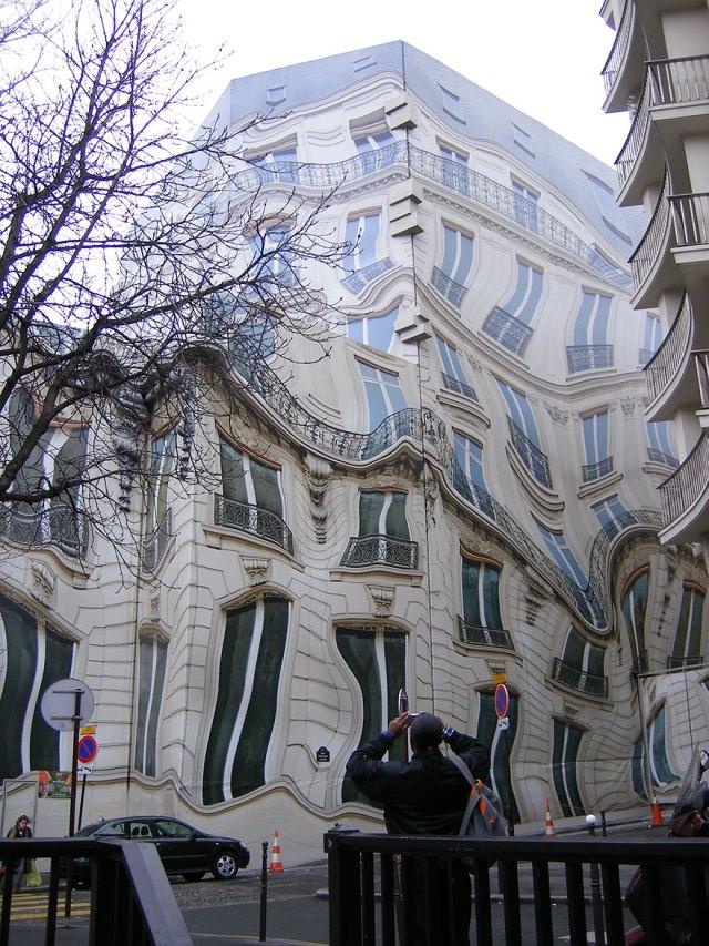 Hausmannian Building On Georges V Ave
