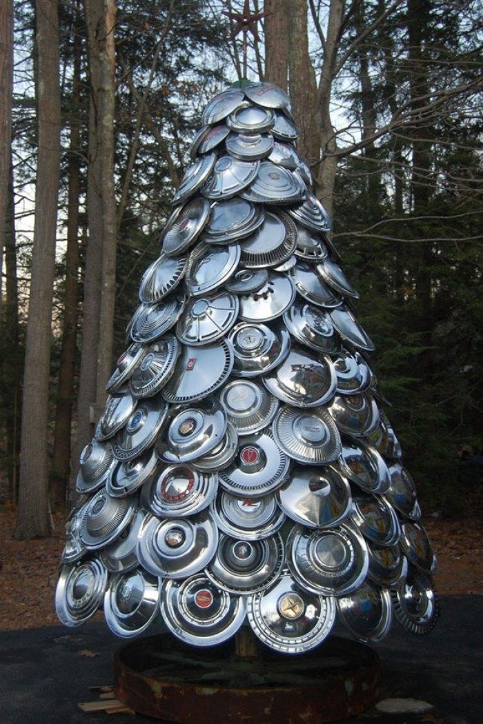 Hubcap Tree
