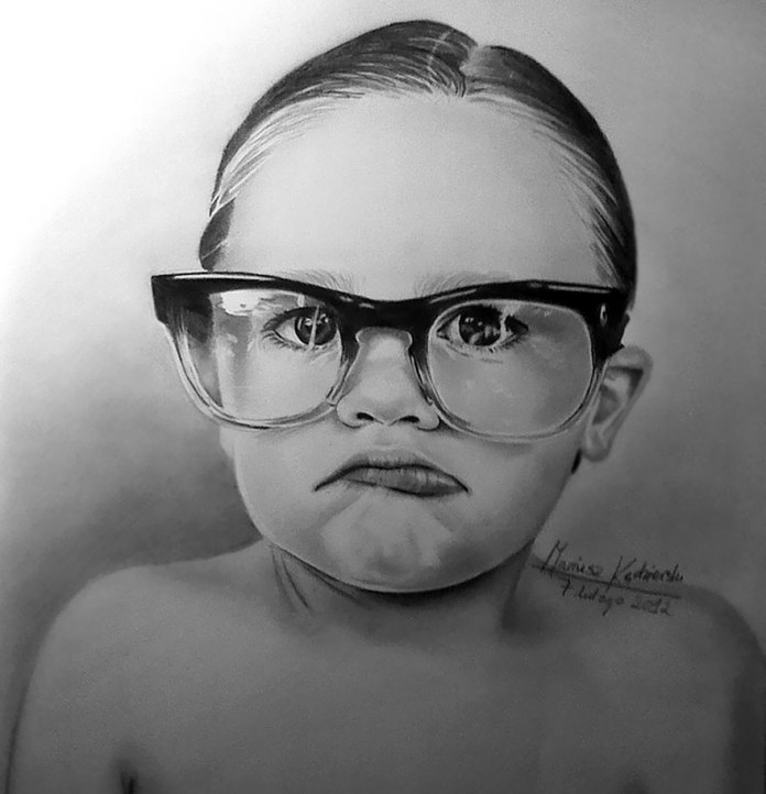 I Was Born Without Arms But I Still Manage To Fulfill My Dream Of Drawing Realistic Paintings