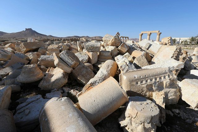 before-after-isis-destroyed-monuments-palmyra-11