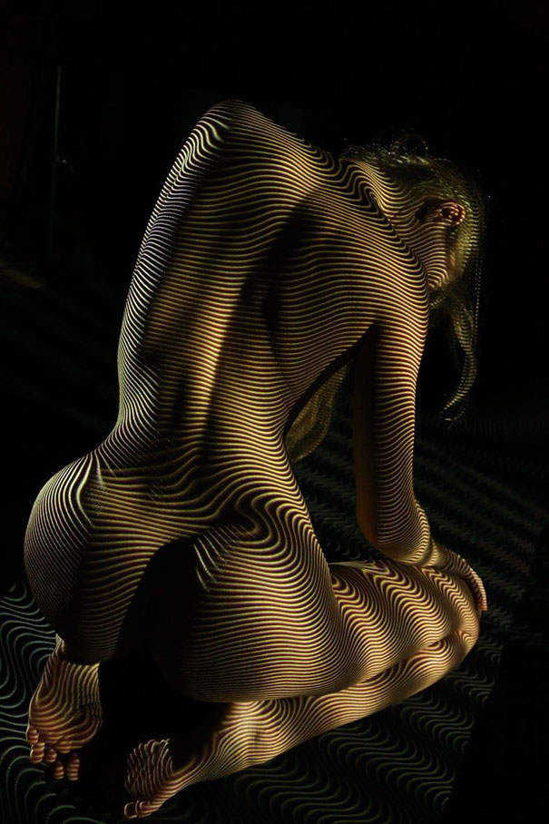 woman-portraits-light-stripes-patterns-shadow-photography-dani-olivier-3