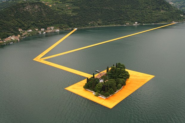 floating-piers-open-christo-jeanne-claude-italy-26