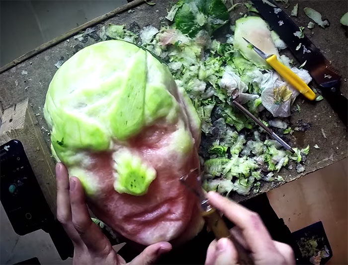 https://i1.wp.com/static.boredpanda.com/blog/wp-content/uploads/2016/06/game-of-thrones-watermelon-carving-night-king-white-walker-valeriano-fatica-6.jpg