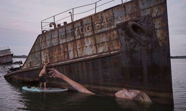 agua-street-art-paddleboarding-sean-Yoro-hula-10