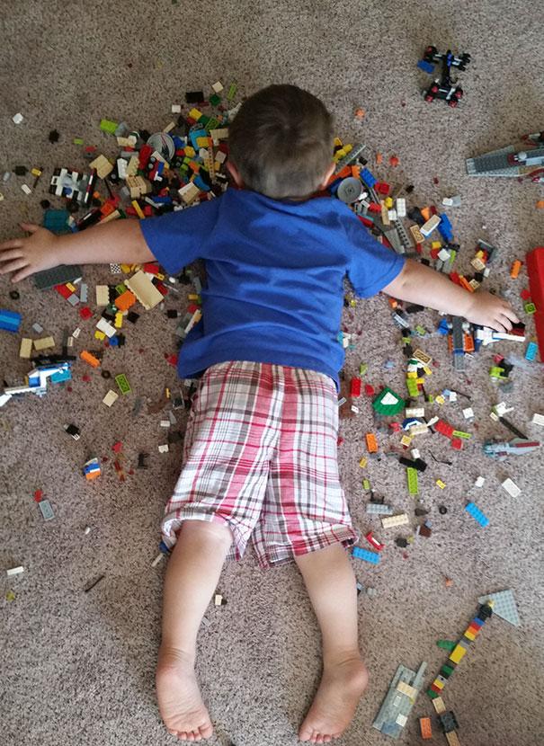 Napping On Lego.  My Son può essere immortale