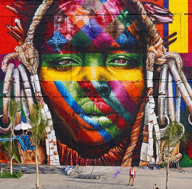 world largest mural street art las etnias the ethnicities eduardo kobra rio olympics brazil 7 - Murais de Graffiti de Eduardo Kobra pelo mundo