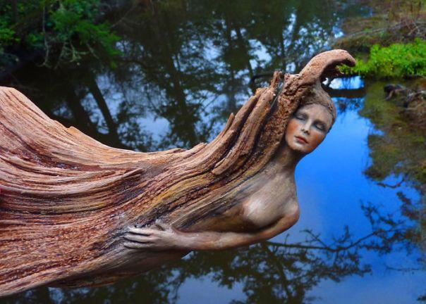 Driftwood-espíritu-esculturas-Debra-Bernier