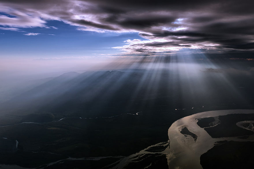 747 Pilot Captures Breathtaking Pictures Of Storms And
