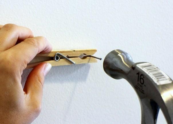 Utilice Pinza Para clavar un clavo con seguridad