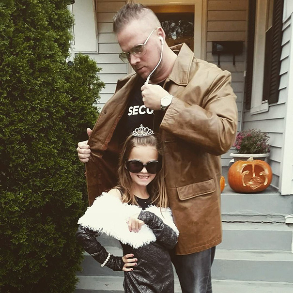 13+ Dads & Daughters Who Won Halloween Together | Bored Panda